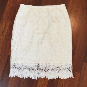 Lovely White Lace WHBM Pencil Skirt